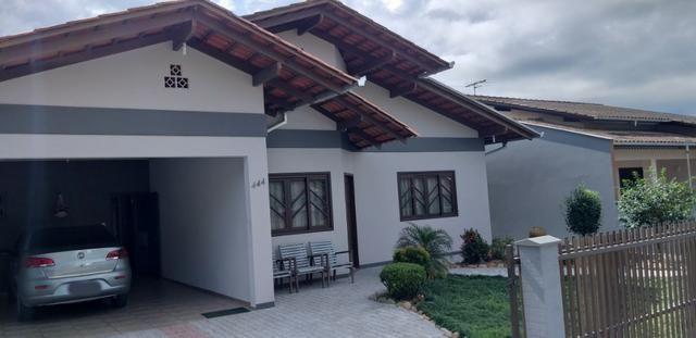 Excelente Residência em Pirabeiraba