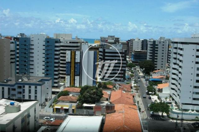 Apartamento com 87 m², 3/4 (sendo 01 suíte e 01 reversível), na Ponta Verde. REF: C4114 - Foto 17