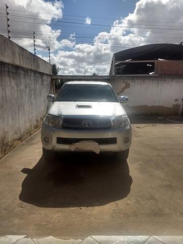 Toyota Hilux vendo e troca em carro de menor valor carro comprador zero único dono - Foto 5