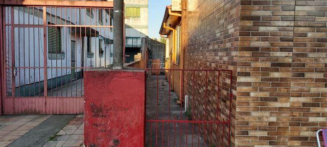 Sala comercial com casa de alvenaria ao fundos. Av. Borges de Medeiros, 960. - Foto 12