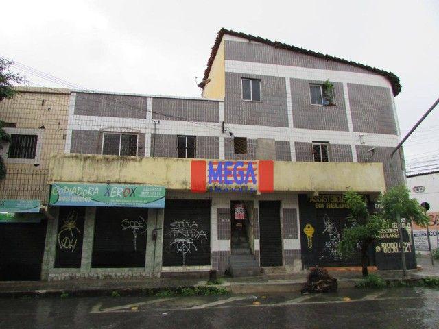 Apartamento com 2 quartos para alugar, próximo à Av. Treze de Maio