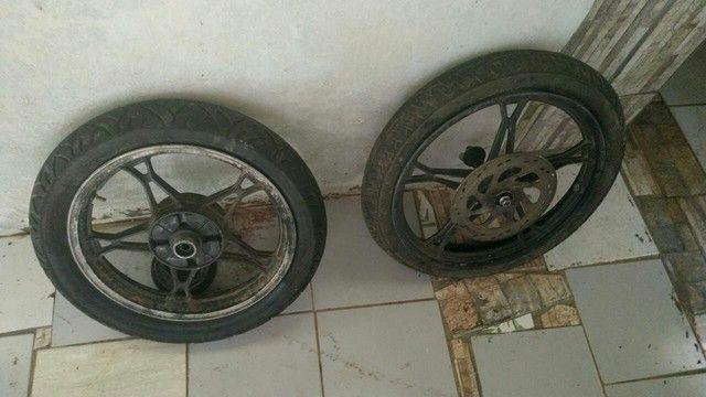 Pra vender logo toda filé com pneus do jeito que tá ai - Foto 2