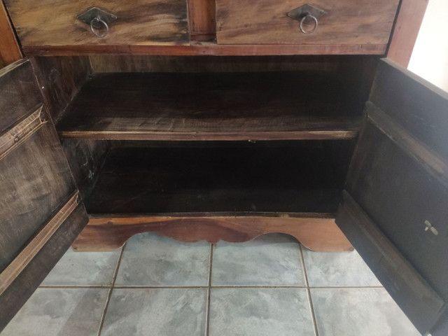 Armário tipo cristaleira madeira maciça  - Foto 4