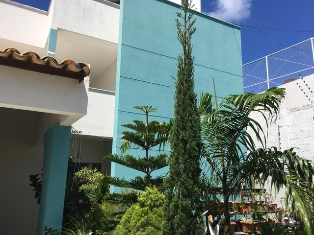 Casa Duplex em Capim Macio, com 4 suítes