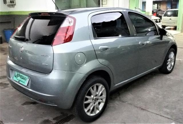 Fiat Punto Essence 1.6 flex - Foto 2