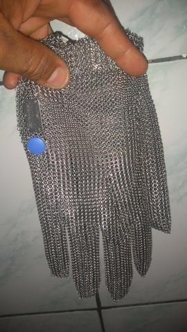 Luva de aço vendo ou troco por celular - Foto 2