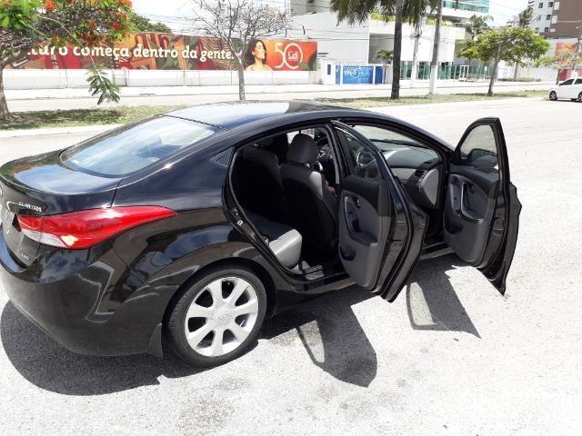 Hyundai Elantra - Foto 6