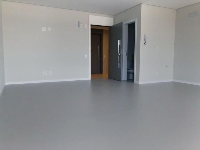 Ampla sala comercial nova com garagem para alugar em Campinas São José - Foto 2