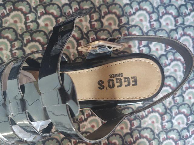 Sandália a venda - Foto 3