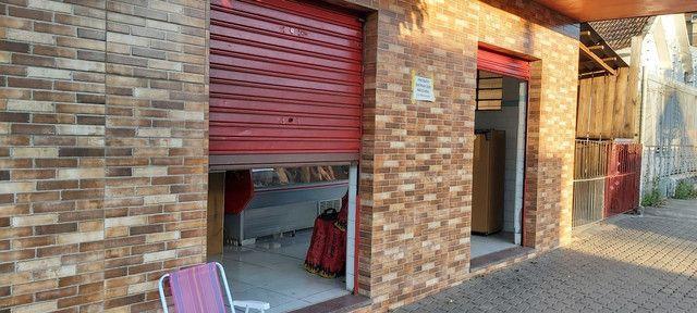 Sala comercial com casa de alvenaria ao fundos. Av. Borges de Medeiros, 960. - Foto 10