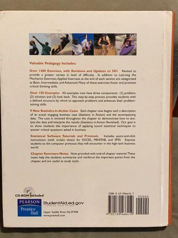 Livro Statistics for Business and Economics em perfeito estado - Foto 3