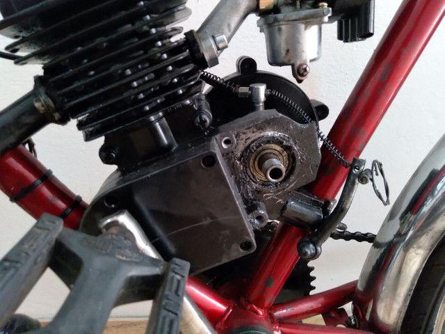Bicicleta motorizada (motor com defeito/ pneu traseiro furado) - Foto 2