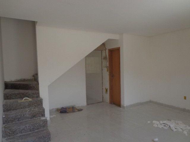 Linda casa de 2/4 com quintal e 2 vagas por R$ 269.000 em Jardim dos Alfineiros - Foto 8