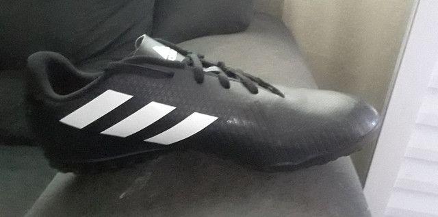 Chuteira Adidas - Foto 6