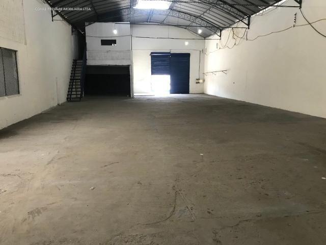 Galpão no bairro industrial, com +-700m² - Foto 5