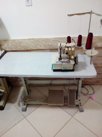 Maquina de costura semi galoneira
