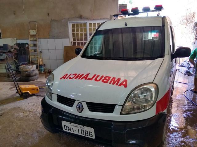 Ambulância kangoo - Foto 4