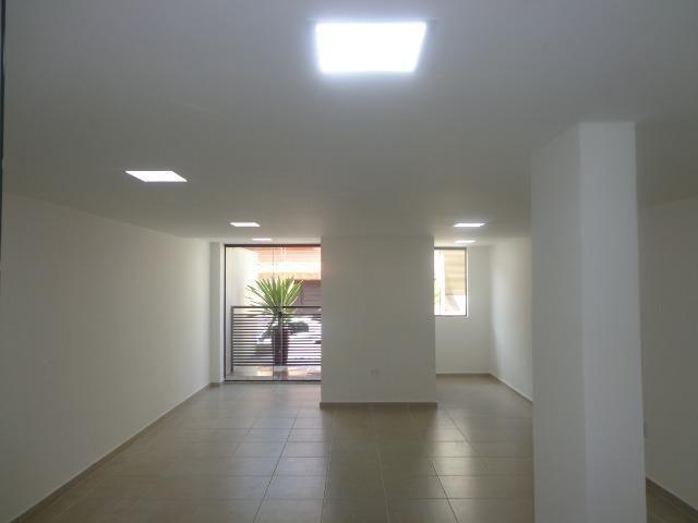 (J1) Apto de 2 quartos com varanda e garagem em uma das melhores ruas do Bairu - Foto 2