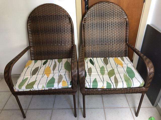 Conjunto de cadeira em vime