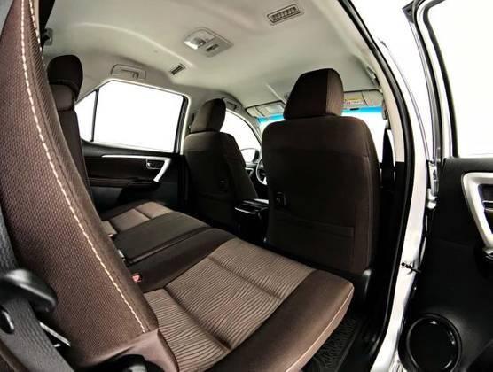 HILUX SW4 2016/2017 2.7 SR 4X2 16V FLEX 4P AUTOMÁTICO - Foto 7