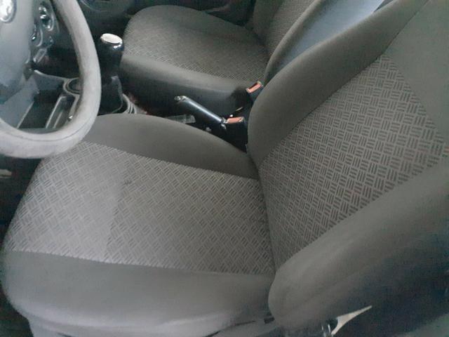 Fiesta sedan 2006 - Foto 7