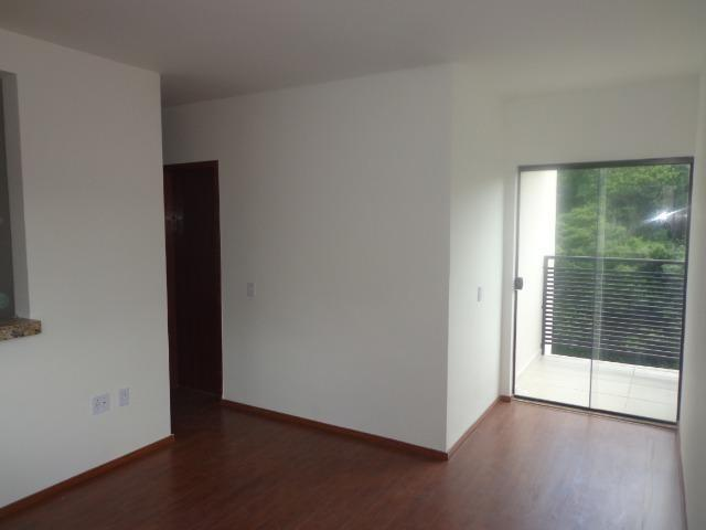 (J1) Apto de 2 quartos com varanda e garagem em uma das melhores ruas do Bairu - Foto 4