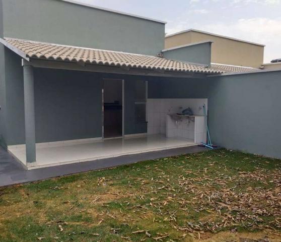 Casa 3 Quartos, 2Banheiros, Sala, Cozinha, área de serviço e 3 Vagas para Garagens - Foto 4