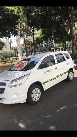 Vendo gm spin taxi 2013/13 completa tratar. elisio. 062- * - Foto 4
