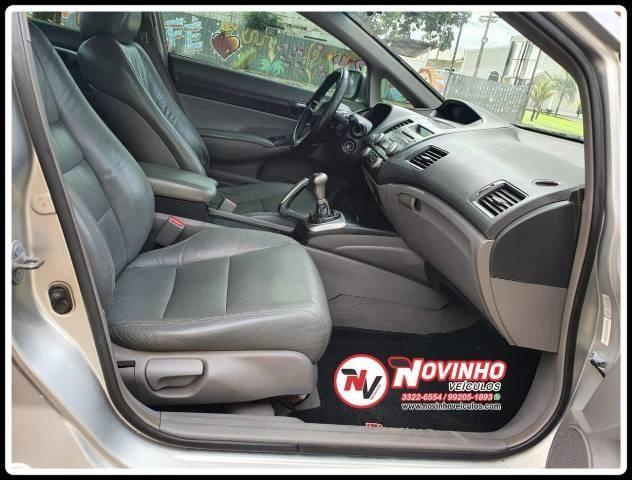 Honda Civic Lxs 1.8 Manual 09/10 - Foto 2