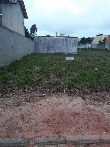 Lote em condomínio fechado com lazer completo em Guarapari - Foto 2