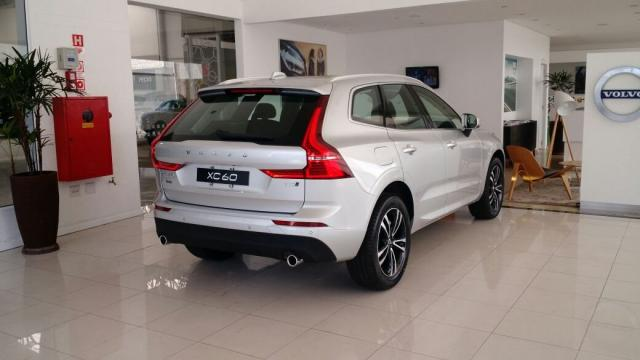 volvo xc 60 t 5 momentum 2 0 254cv awd 5p 2019 441374477. Black Bedroom Furniture Sets. Home Design Ideas