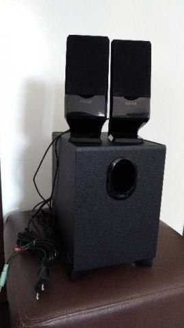 Caixa de Som com FM e USB Edifier R101PF 2.1