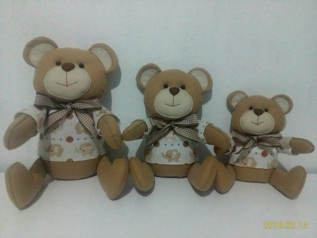 Trio de ursos com pijama