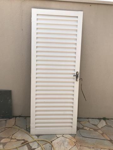 Porta de alumínio padrão