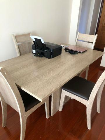 Mesa de Jantar com 4 Cadeiras Novíssima