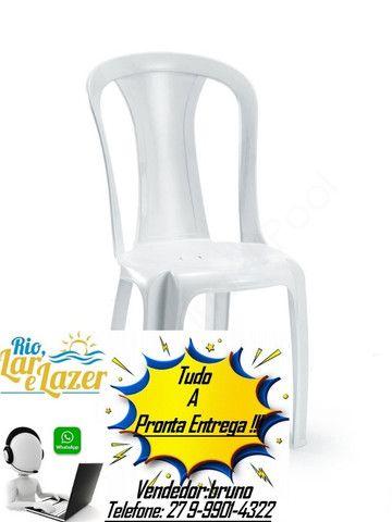 Cadeira de plastico 182 kg p/ festa