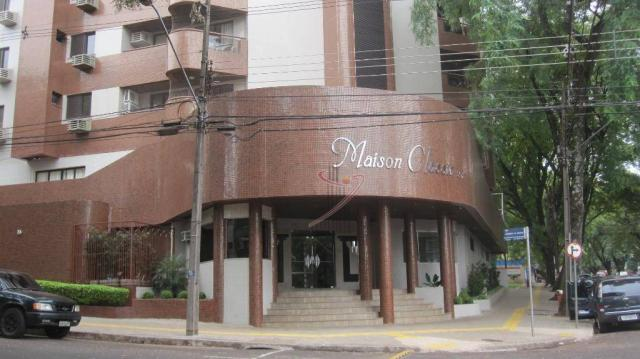 Apartamento com 4 dormitórios para alugar, 192 m² por R$ 3.300,00/mês - Edifício Maison Cl