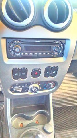 Renault Sandero - carro de mulher - Foto 6