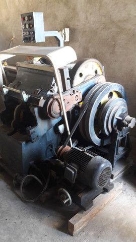 Máquina de Corte e Vinco Automática 50x70 - Foto 2