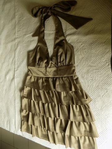 Vestido de festa, cetim dourado, tamanho P, frente única, usado uma vez - Foto 2