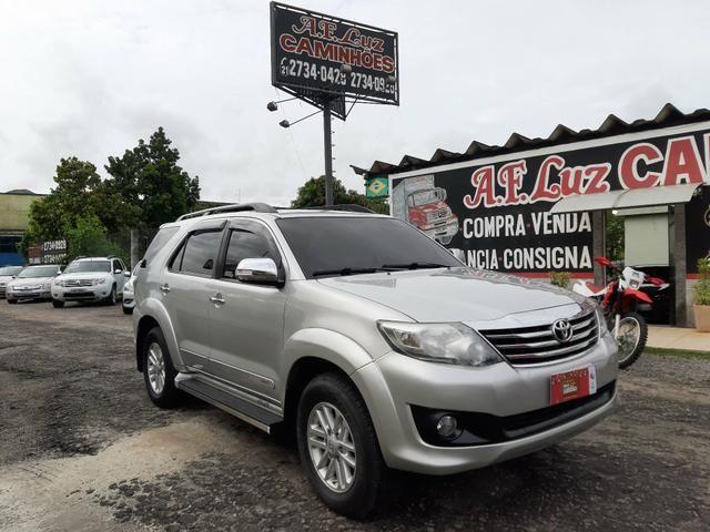 Toyota hilux sw4 sr top flex com gnv ano 2014 - Foto 3