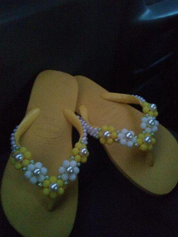 Está chegando o natal!!! Sandálias bordadas personalizadas incríveis a partir de R$45. - Foto 6