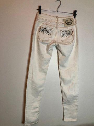 Calça Branca Customizada - Colcci # 38 - Foto 3