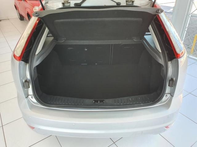 Focus 1.6 SE Plus 8V 2011 - Foto 7