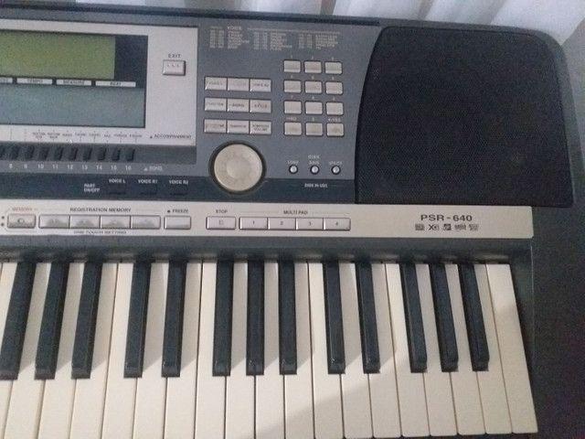 esselente teclado  yamaha 640 funciona tudo