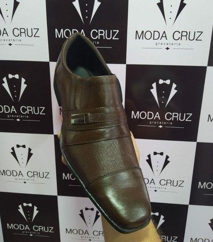 Sapato social COURO LEGÍTIMO - COR CAFÉ ESCURO  - Foto 3