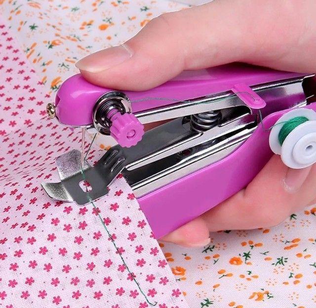 Mini Maquina de Costura Manual Portátil - Foto 3