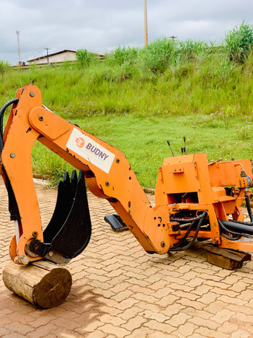 Retro Escavadeira de acoplagem trator de 35cv a 70 cv
