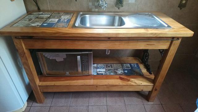 Gabinete de cozinha de madeira maciça com pia escovado Tramontina