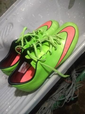 Chuteira Society Nike Tamanho 40
